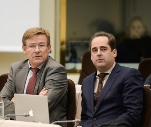 Ex-kabinetschef  Van Overtveldt  wisselt van kamp
