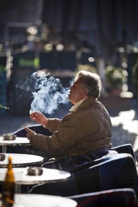 De Block steunt rookverbod in auto met kinderen