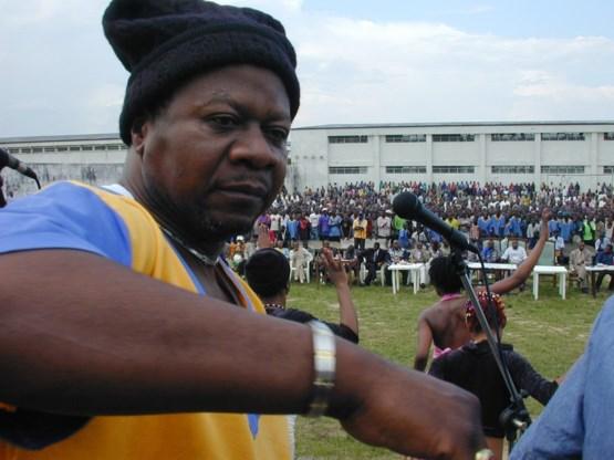 Congolese zanger Papa Wemba overleden