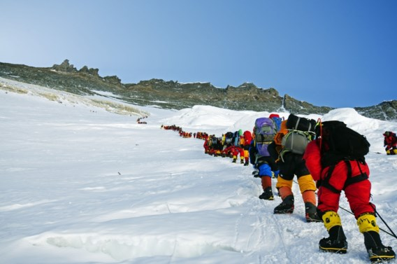 Pak minder klimmers voor Mount Everest