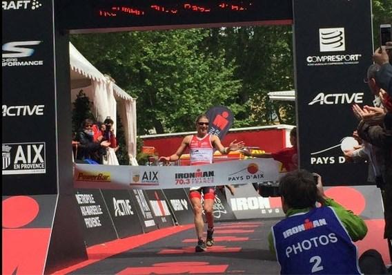 Tine Deckers dolgelukkig met winst in halve Ironman Pays d'Aix