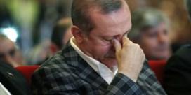 Erdogan dient klacht in tegen krantenmagnaat wegens steun aan komiek