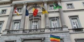 'Regenboogvlag tast onze neutraliteit aan'