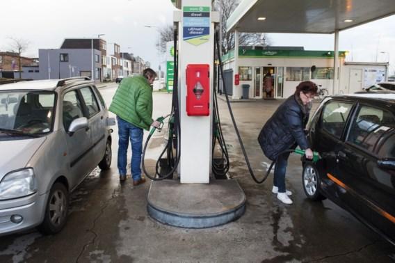 Diesel tanken wordt duurder vanaf morgen