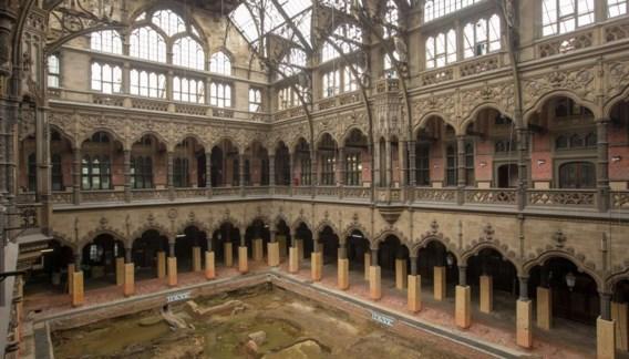 Het monumentale beursgebouw wordt eindelijk in al zijn glorie hersteld en zal tegen het najaar van 2018 opengaan.