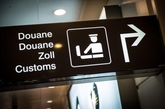 Topvrouw douane mag luchthaven niet meer binnen