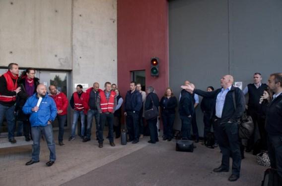 De stakers van Lantin op bezoek in Hasselt, om hun Vlaamse collega's tot meer solidariteit te bewegen.