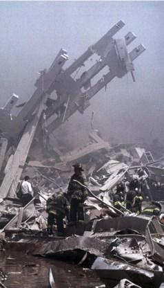 Esposito: 'De overgrote meerderheid van de moslims keurt terreur als 9/11 (foto) niet goed.'