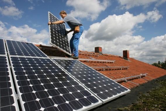 Lenen voor zonnepanelen of dakisolatie wordt goedkoper