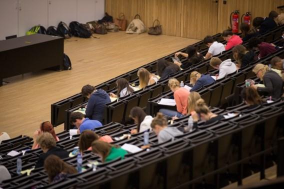 Gentse prof vergeet eigen examen: 'laat ze om 13u terugkomen'