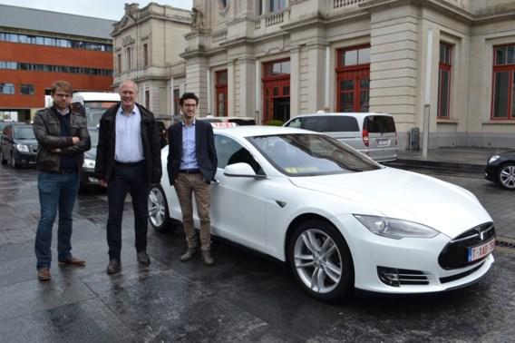 Eerste elektrische taxi krijgt voorrang in Leuven