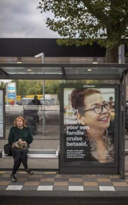Airbnb hoopt Amsterdammers te overtuigen om hun woning online te verhuren.