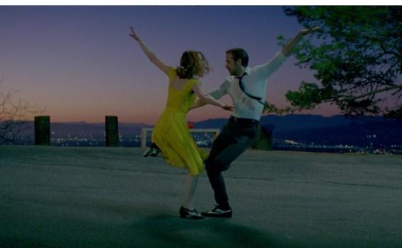 Ryan Gosling en Emma Stone dansen de nacht weg boven LA.