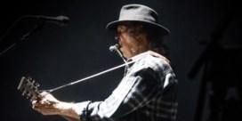 Neil Young zingt en protesteert recht uit het hart