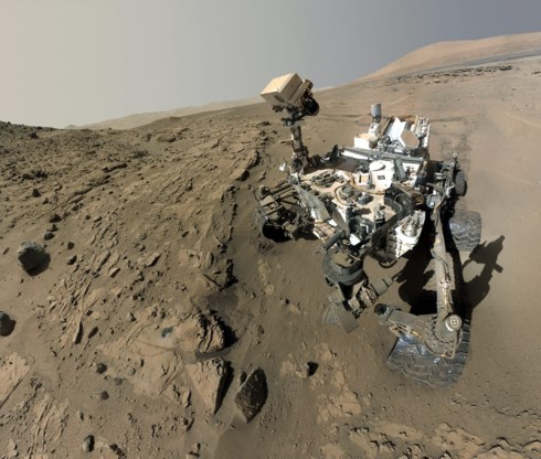 Robotjeep Curiosity vindt verrassend mineraal op Mars