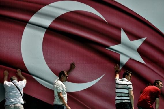 Meer dan 15.000 Turkse leerkrachten geschorst