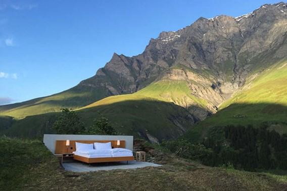 Alleen jij, een bed en de bergen