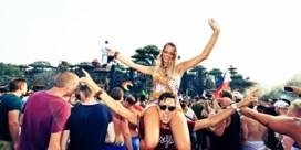 Tomorrowland gaat dansend dag twee in