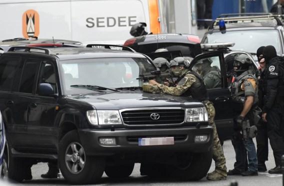 Een beeld van de politieactie tegen 'terrorist' Reza A.