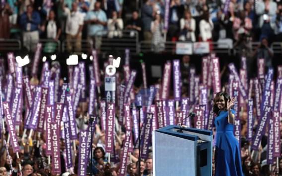 'Door Hillary Clinton vinden mijn dochters het vandaag vanzelfsprekend dat een vrouw president van de VS kan worden', zei first lady Michelle Obama.