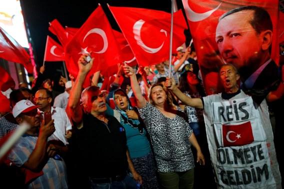 Twee Turkse generaals nemen ontslag na mislukte staatsgreep