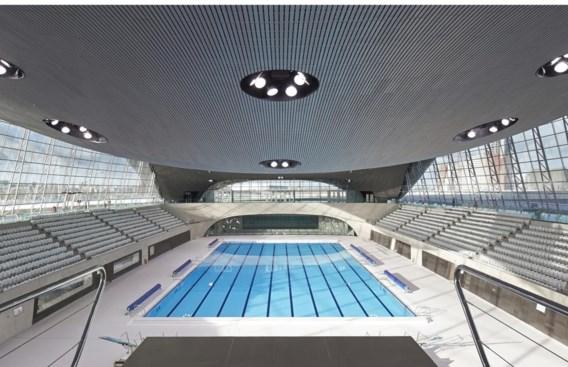 De toren van Anish Kapoor (boven) is nu een pretglijbaan. Het zwembad van Zaha Hadid is verkleind.