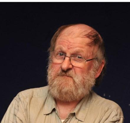 Willem Vermandere (76) is kleinkunstenaar, schrijver en beeldhouwer.