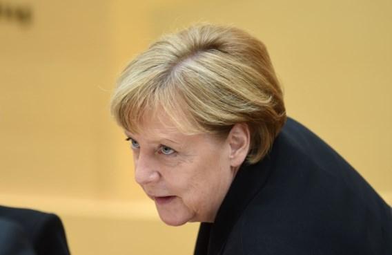 Publieke steun voor Merkel keldert na aanslagen