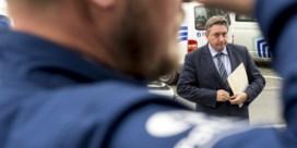 'Jambon zou beter voorbeeld De Wever volgen'
