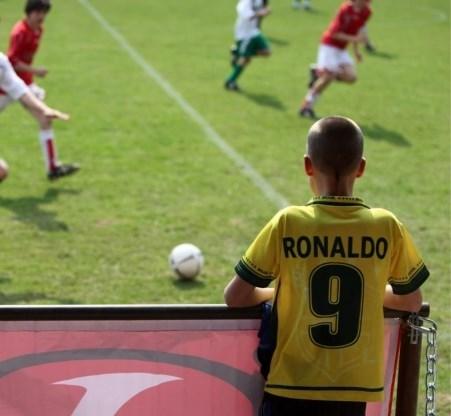 Amateurvoetbal: clubs inventiever in omzeilen fiscus
