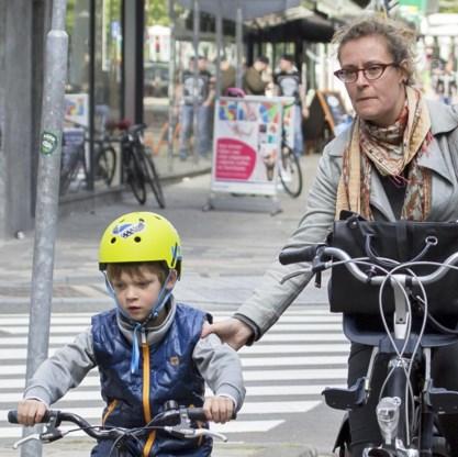 'In de lagere school is de fietshelm nog hip.'