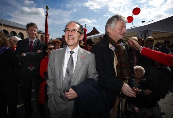 Steve Stevaert tijdens de hoogdagen van de SP.A in Limburg toen rood nog domineerde aan de Demer, met Willy en Hilde Claes, Felice en Ingrid Lieten