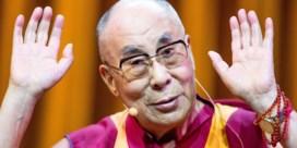 Tienduizend mensen wonen conferentie van Dalai Lama op Heizel bij