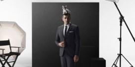 Van premier naar model: Koen De Bouw poseert opnieuw voor modelabel