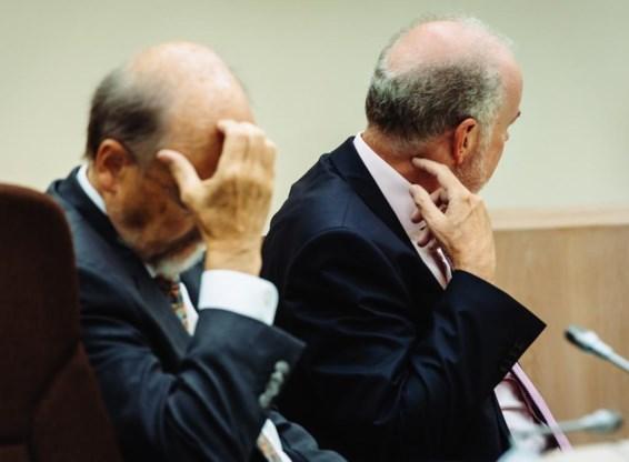 Luc Coene, voormalig gouverneur, en Jan Smets, huidig gouverneur van de Nationale Bank.