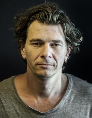 Dimitri Verhulst: 'Ik ben geen performer, ik breng gewoon mijn tekst.'