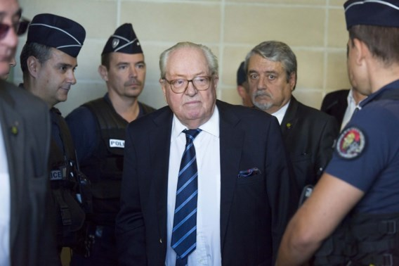 Le Pen haalt bakzeil bij Europees Hof