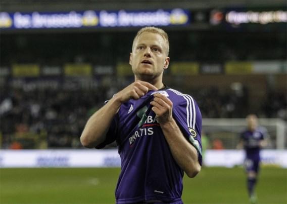 Deschacht evenaart recordaantal matchen Van Himst voor Anderlecht