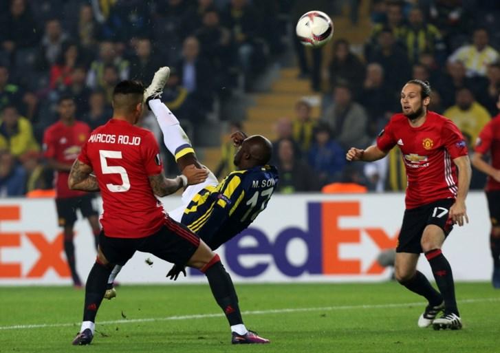 EUROPA LEAGUE. Manchester United onderuit na wonderbaarlijke omhaal, Nainggolan scoort en wint