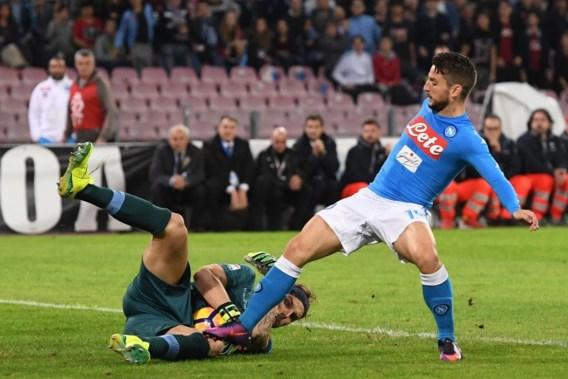 Mertens speelt met Napels gelijk tegen het Lazio van wederoptredende Biglia