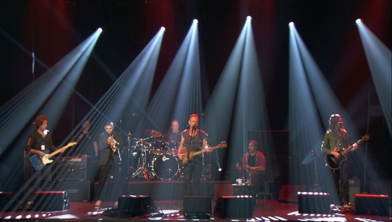 Sting begint concert in Bataclan met 1 minuut stilte