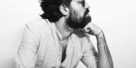 Beluister Calm Down, de eerste single van J. Bernardt, het solo-project van Balthazar-frontman Jinte Deprez