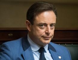 De Wever: 'Tik op de vingers wellicht terecht'