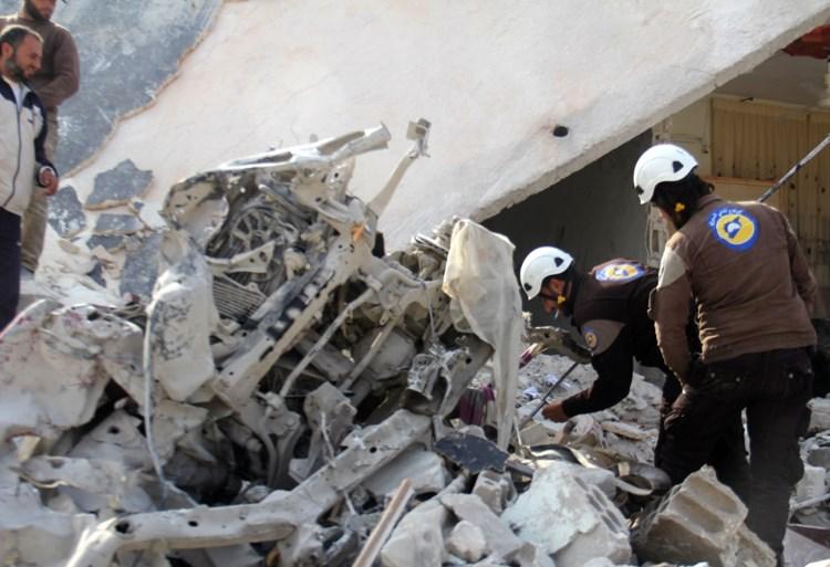 Ziekenhuis en school gebombardeerd in Aleppo