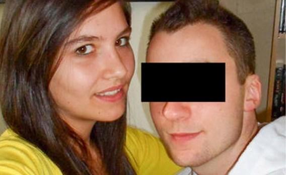 """Beschuldigde van moord op Kimberley (20) smeekt vader om hem meer te komen bezoeken in gevangenis: """"Ik mis je echt en zou je meer willen zien, pa"""""""