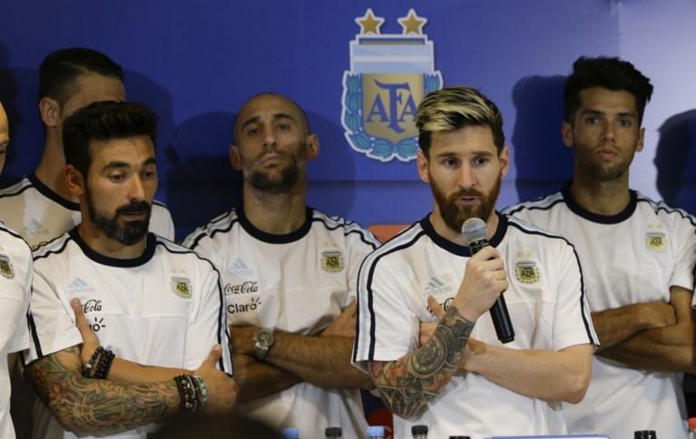 Messi houdt Argentinië met fabelachtige vrije trap op WK-koers (en kondigt prompt persboycot aan)