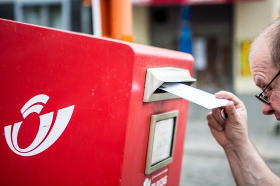Bpost doet rode postbussen op slot