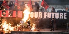 Vijf miljoen pond aan punk-memorabilia verbrand