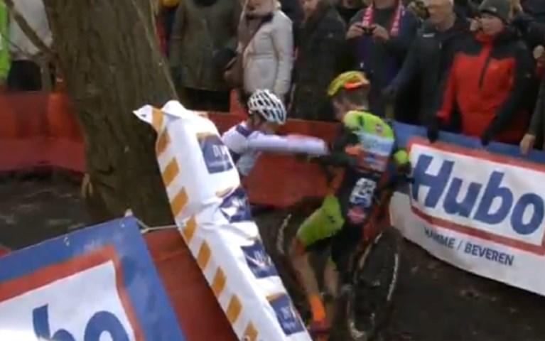 Van der Poel toont zich opnieuw een maatje te sterk en wint Flandriencross