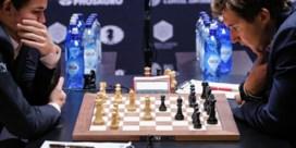 Magnus Carlsen viert verjaardag met verlenging wereldtitel